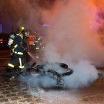 ©Gaël Dupret/MaxPPP France, Suresnes 27-07-2015 : Incendie de moto à suresnes  Exclu MaxPPP  Photo : intervention de la Brigade des Sapeurs Pompiers de Paris basés à Rueil-Malmaison pour un incendie de moto rue Kellogg à Suresnes