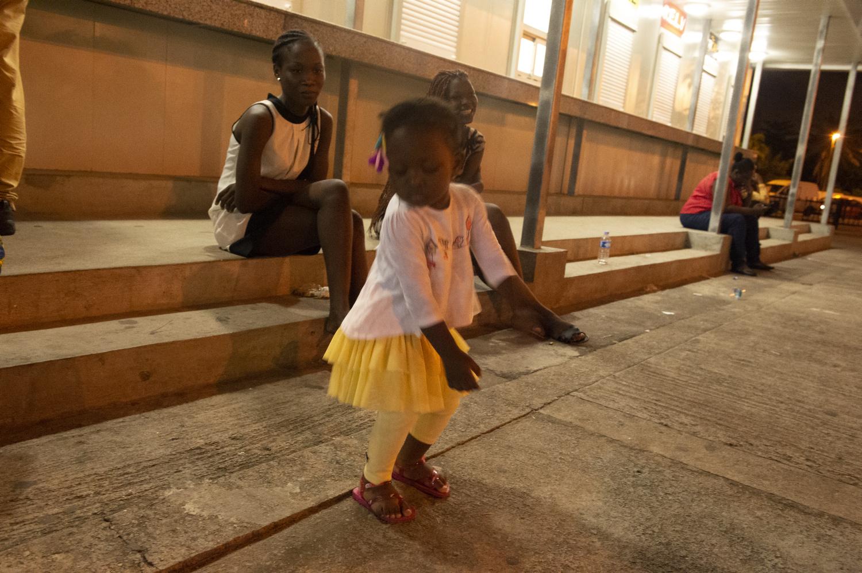 04 - Danseuse à la jupe jaune